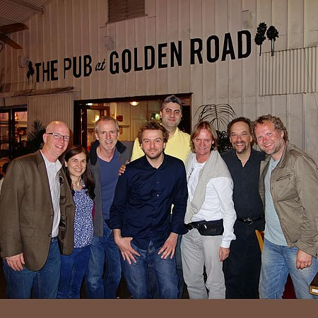 la-group-at-pub-s